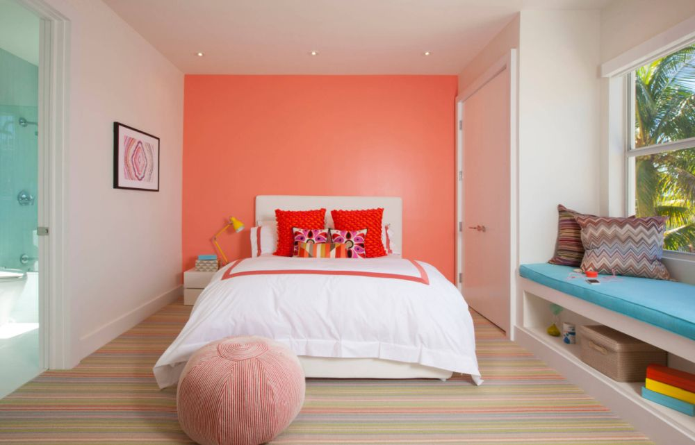 coral-pantone-color-of-2019-interior-design-bedroom-wall